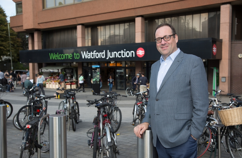 RH outside Watford Junction